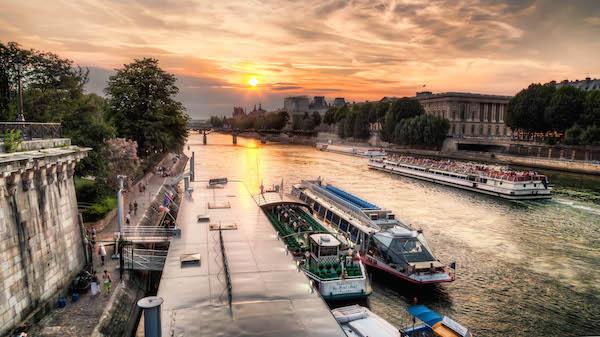 Bateux Mouches, Paris