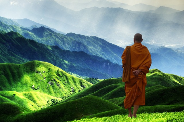 Bouddhiste dans la montagne